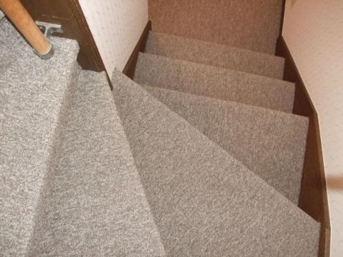 階段カーペット張替え