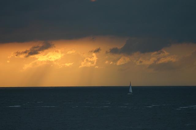 sea-431681_640.jpg
