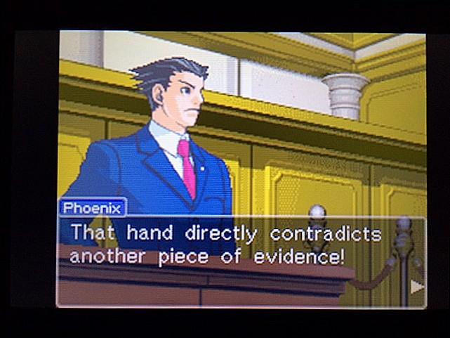 逆転裁判 北米版 拡大写真に写る矛盾15