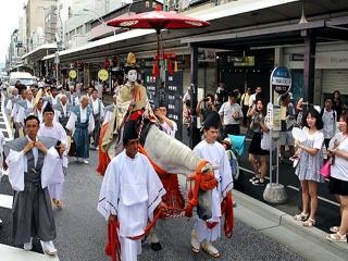 150713_祇園祭「お位もらい」の儀式_m_kyoto_np-20150713000040VGA