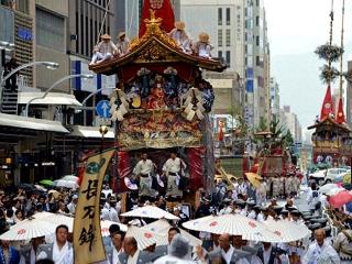 150717「祇園祭・山鉾巡行」_m_mainichi-20150717k0000e040223000cVGA