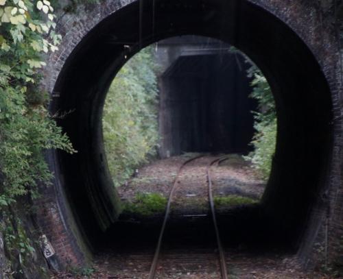 トンネルがいっぱい