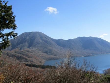 181030出張山~陣笠山 (8)黒檜山s