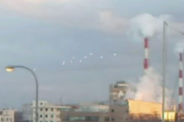 大阪の上空に「UFOの大群」が現れたと海外メディアが報道