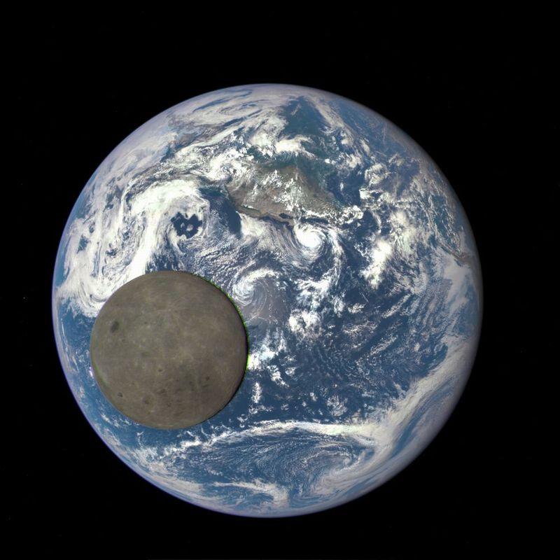 NASAが「月の裏側」を公開…地球と2ショット