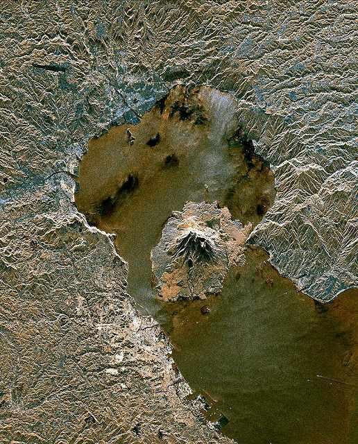 【姶良カルデラ】鹿児島湾にある海底火山「若尊」に噴火兆候…桜島付近、マグマ由来のCO2放出が急増