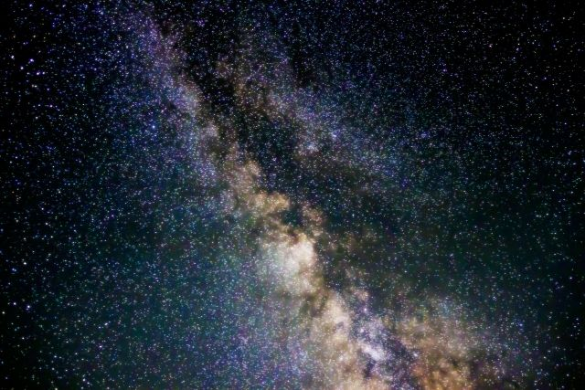 130億年以上前のとてつもなく「古い銀河」が発見される!