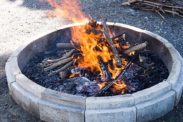 星宮社本地祭り秋葉社たき火