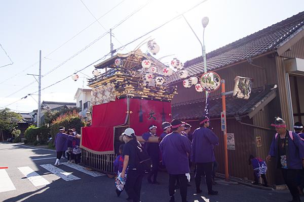 星宮社本地祭り山車と人々