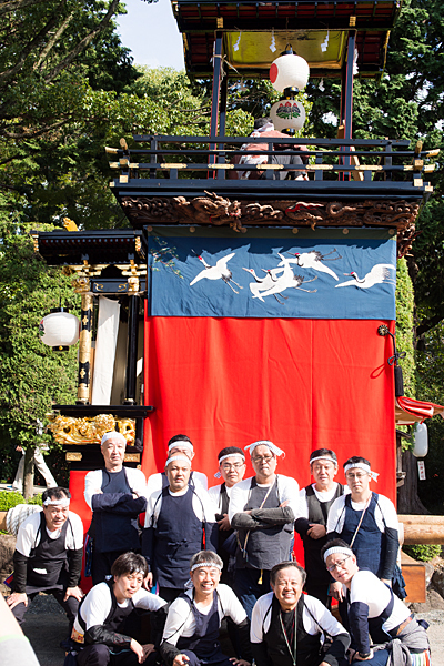 成海神社例祭山車前で記念撮影