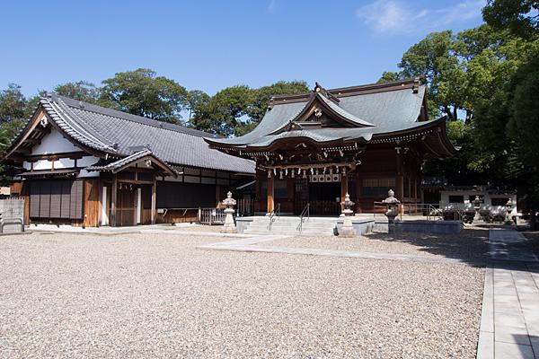 町屋川八幡社拝殿外観