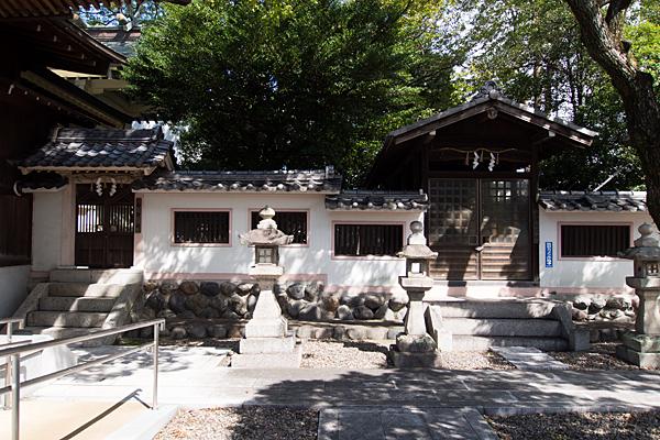 町屋川八幡社末社