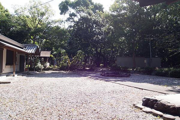 諏訪山諏訪社境内の風景