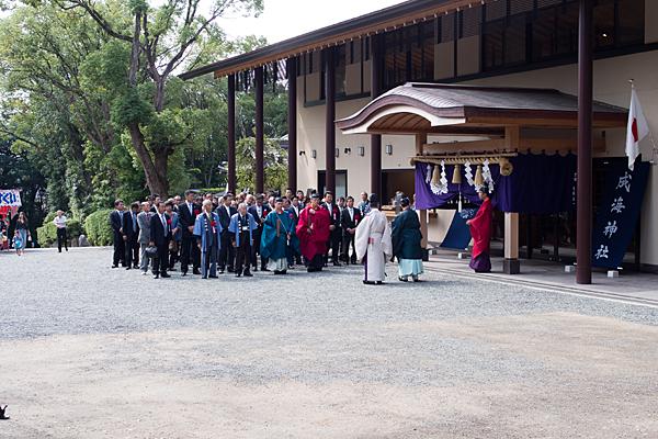 成海神社例大祭神職と氏子の準備中