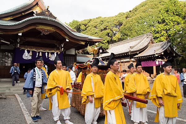 成海神社例大祭神輿渡御出発