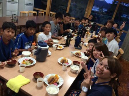 青年の家夕食2