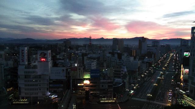 豊橋のアソシアから見える雲海と朝焼け