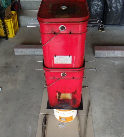 s-704-3スモーク缶2
