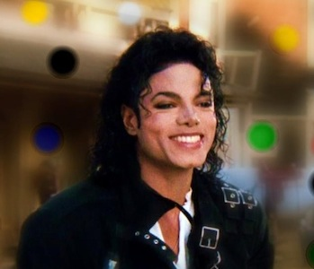 Beautiful-Smile-michael-jackson-28358228-639-550.jpg