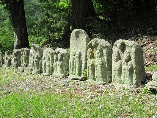 新海三社神社 石仏