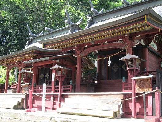 新海三社神社 中本社と西本社