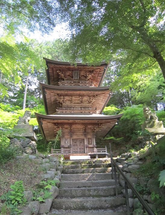 貞祥寺三重塔