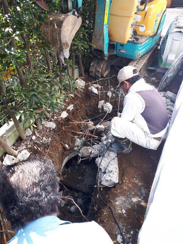 浄化槽取り壊し作業
