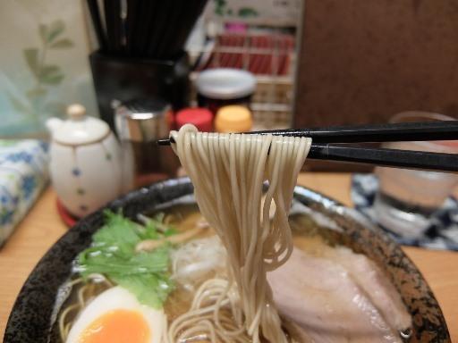 低加水ストレートの極細麺