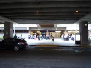 ホノルル空港出口