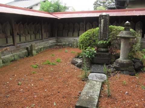 亀鶴姫の碑