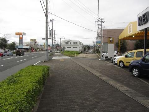 旧東海道 東下石田交差点付近