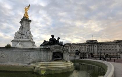 Buckingham-palace01.jpg