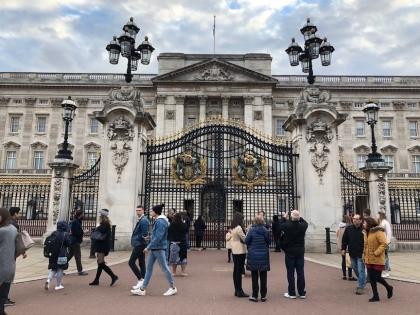 Buckingham-palace06.jpg
