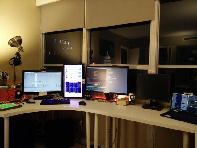 PCdesk_MultiDisplay52_84.jpg