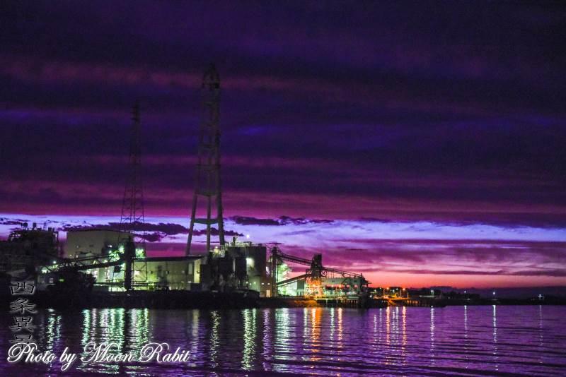 四国電力西条発電所の夜景